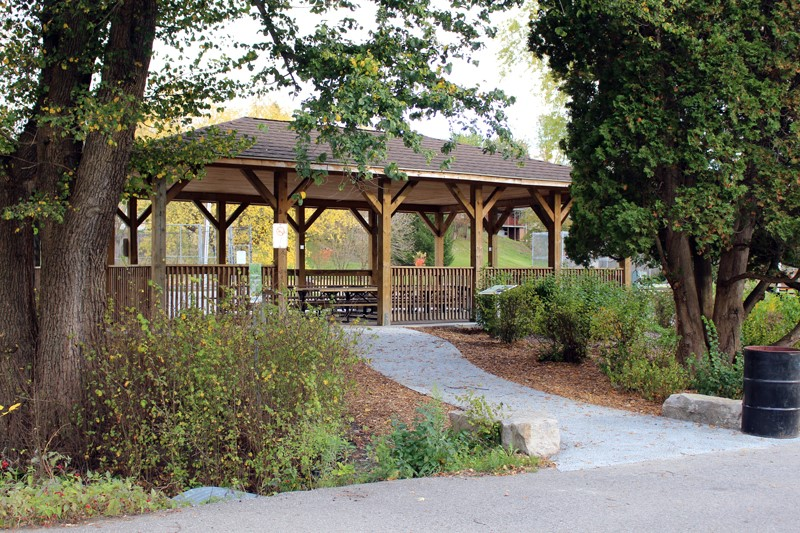 Permeable walkway installed in Orono Park